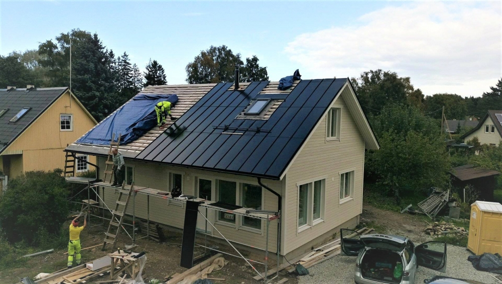 Roofit.solar first installation in Estonia. Photo: Roofit.solar
